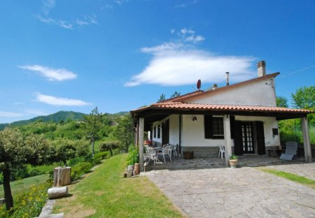 Villa in Ville di Montecoronaro, Italy