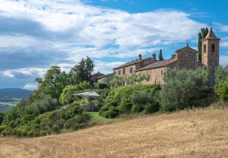 Villa in Stazione di Monte Antico, Italy