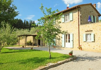 3 bedroom House for rent in Cortona
