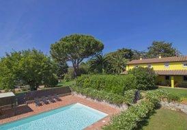 Villa in San Vincenzo, Italy