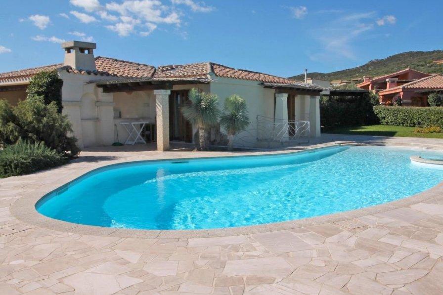 Villa to rent in Golfo Aranci, Sardinia with private pool ...
