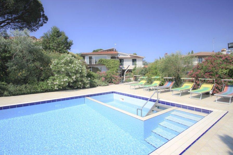 Villa in Italy, Bobolino