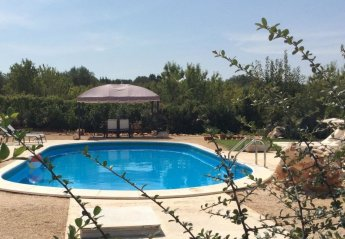 6 bedroom House for rent in Ostuni