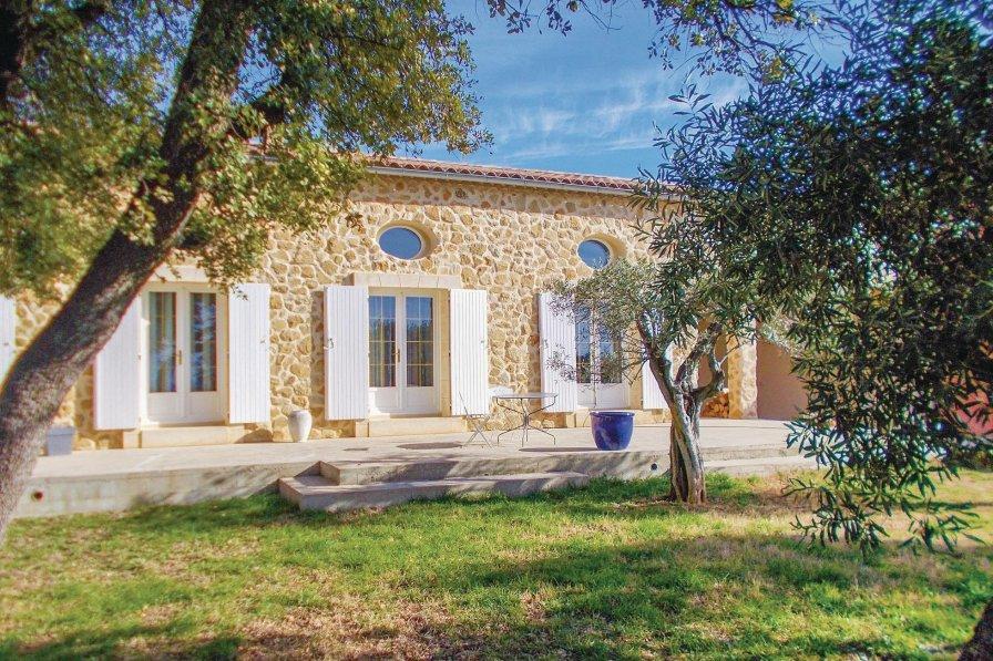 Villa to rent in Sérignan-du-Comtat