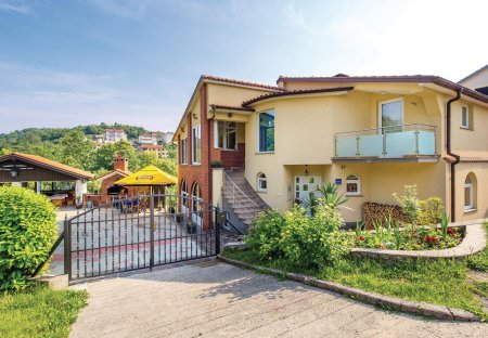 Apartment in Saršoni, Croatia