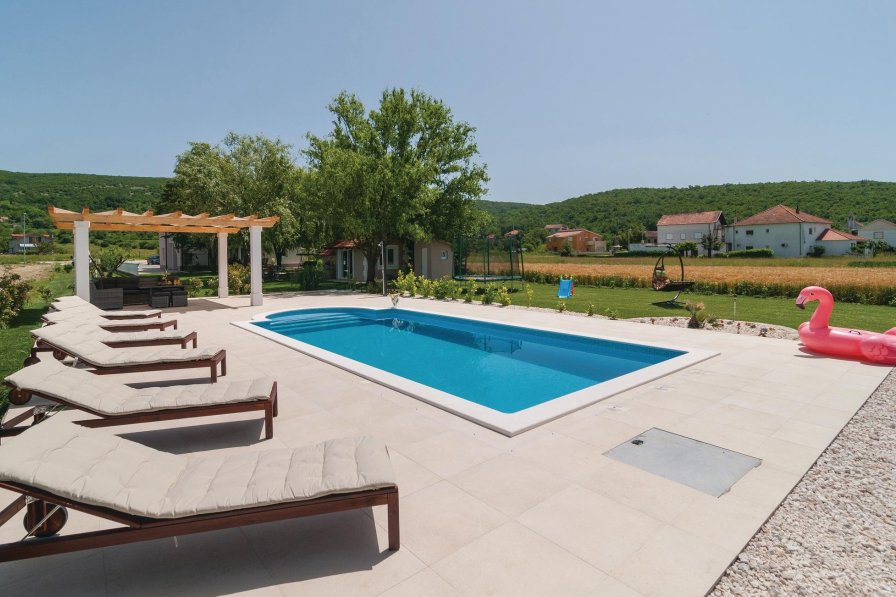 Villa in Croatia, Gala