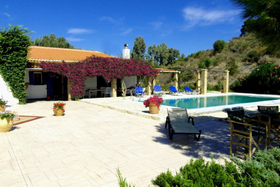 Villas In Sardinia With Private Pool Near Beach
