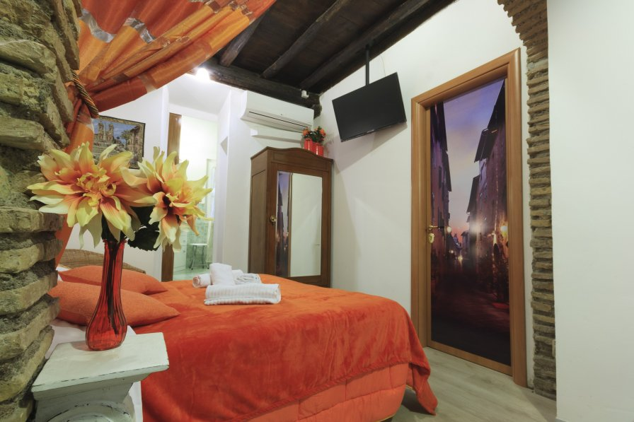 Studio apartment in Italy, Trastevere