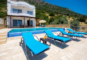 4 bedroom Villa for rent in Kalkan