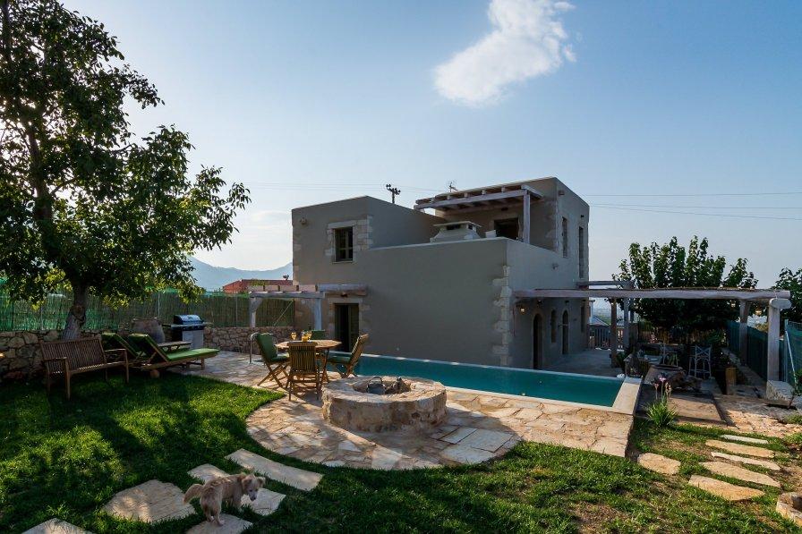Villa in Greece, Kastellos