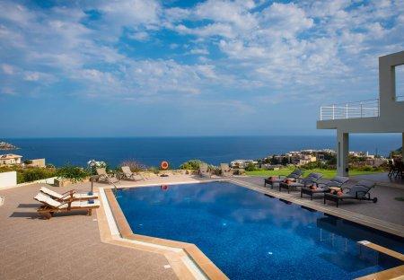 Villa in Ammoudi, Crete