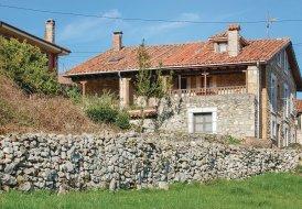 Villa in Pandiello, Spain