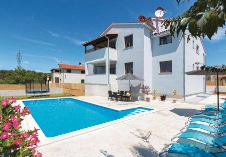 Villa in Svetvinčenat, Croatia