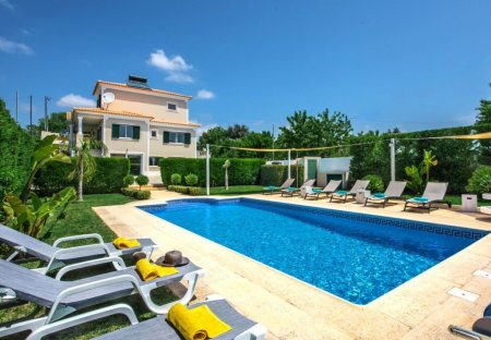 Villa in Patroves, Algarve