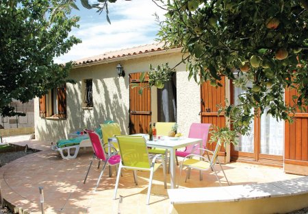 Apartment in Eyguières Est, the South of France