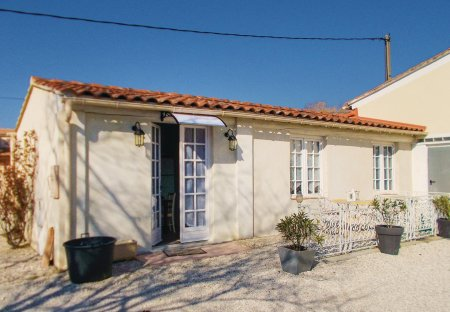 Villa in Entraigues-sur-la-Sorgue, the South of France