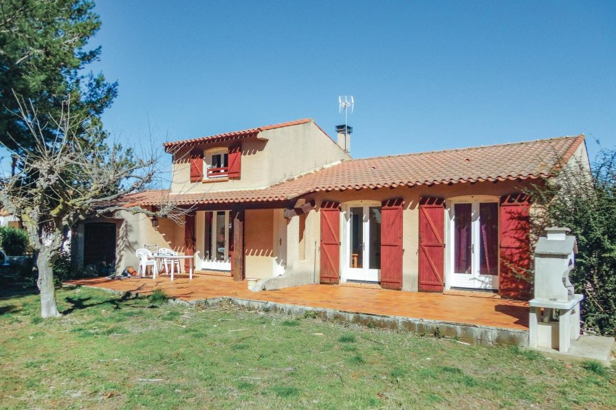 Villa in France, Pinet