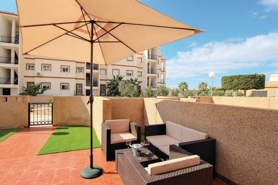 Apartment with shared pool in La Cinuelica