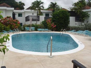 Apartment in Barbados, Christ Church: Bushy Park Pool