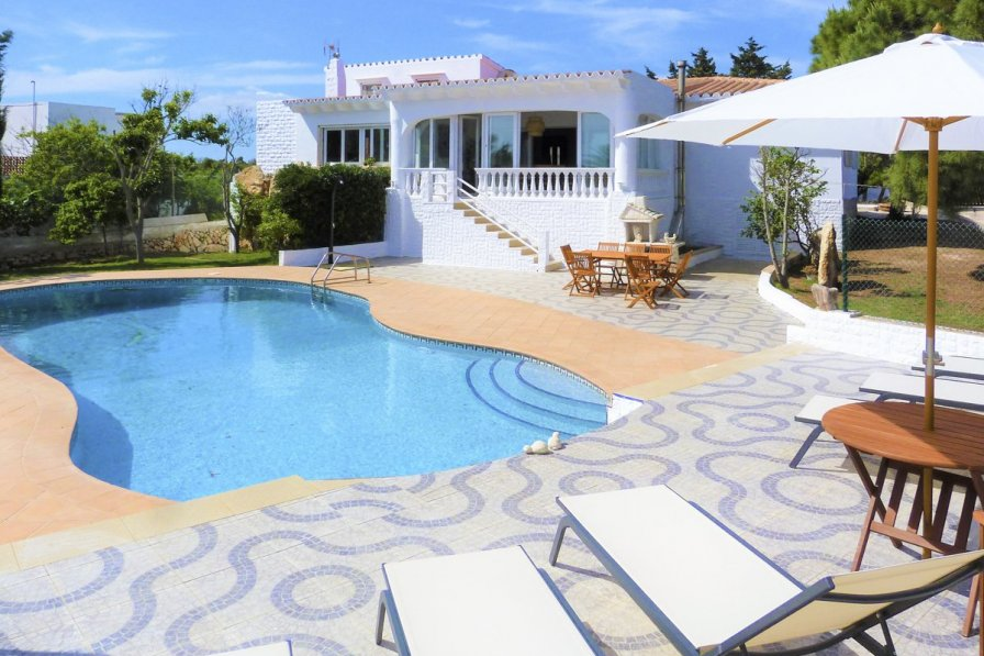 Villa in Spain, Binisafua Roters