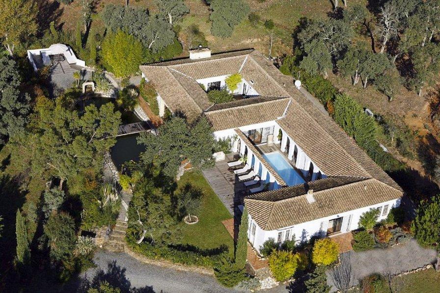 Villa in France, La Môle