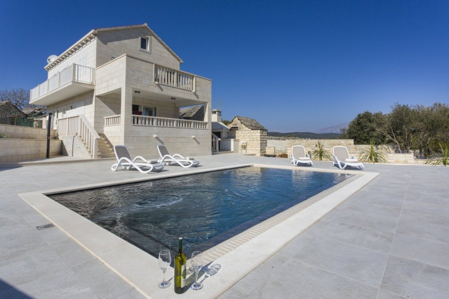 Villa in Croatia, Dol