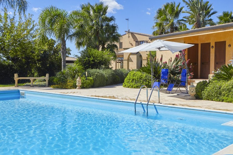 Villa in Italy, Castelvetrano: luxury-villa-for-rent-in-western-sicily