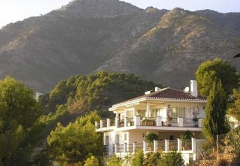 6 bedroom Villa for rent in Mijas