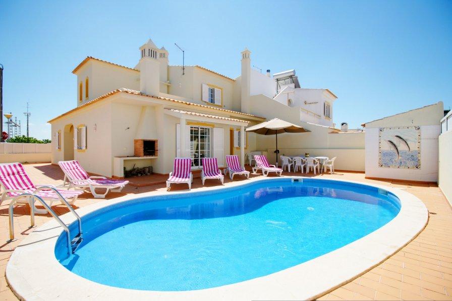 V4 Mourinhos - private pool, quiet place in Armação de Pêra
