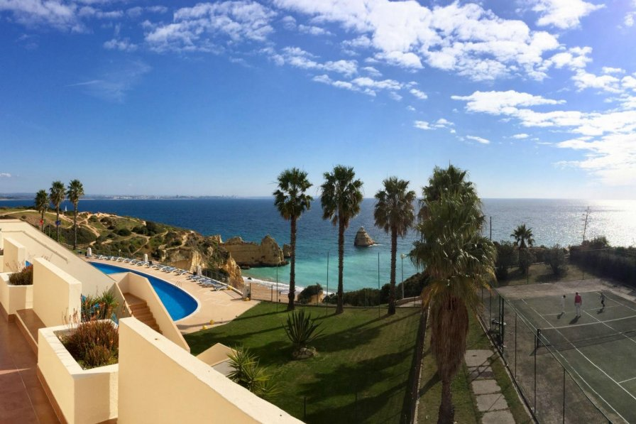 Cliffside Beach Apartment