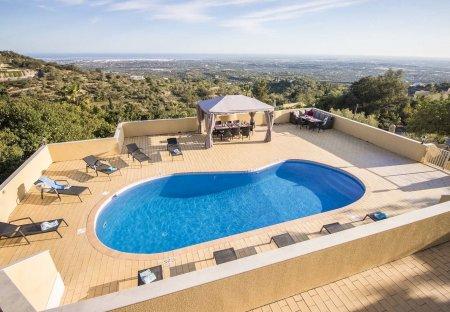 Villa in Azinheiro, Algarve