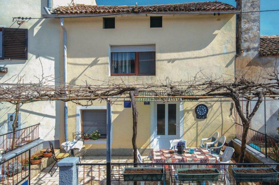 Apartment in Croatia, Pomer