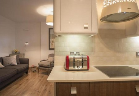 Villa in Avonmore and Brook Green, London