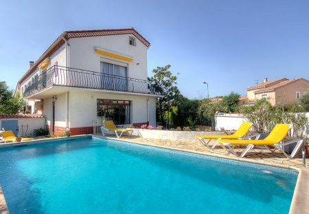 Villa in Zone Plage, the South of France