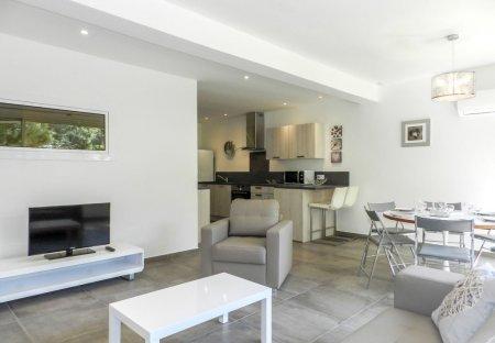 Apartment in Lecci, Corsica
