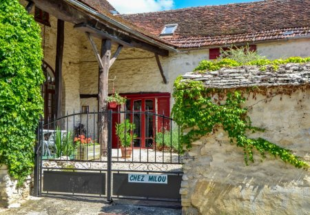 Cottage in Tanlay, France