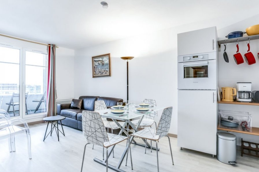 Apartment in France, Port-Gare