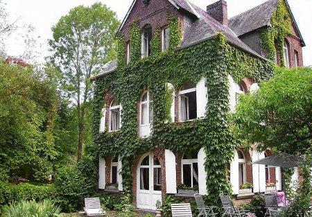 House in Les Authieux-sur-Calonne, France