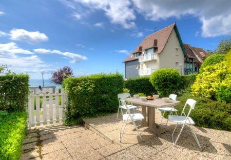 Apartment in Blonville-sur-Mer, France