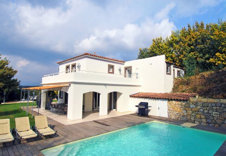 House in Croix des Gardes, the South of France
