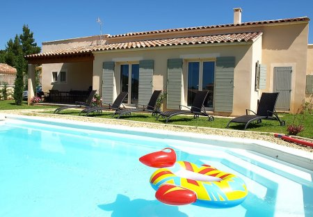 House in Saint-Saturnin-lès-Apt, the South of France