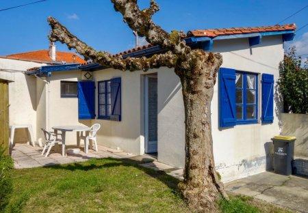 House in Aiguillon, France