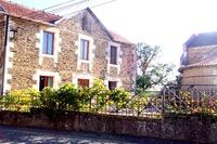 Country_house in France, Perigueux: Le Presbytere and ancient chapel next door.