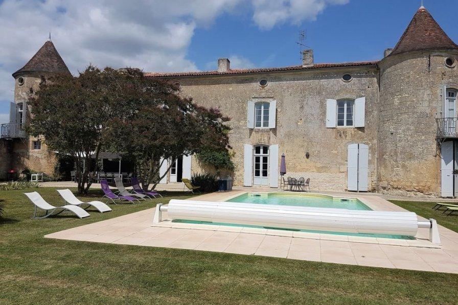 Villa in France, Villars-en-Pons