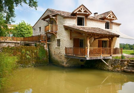 House in Monflanquin, France