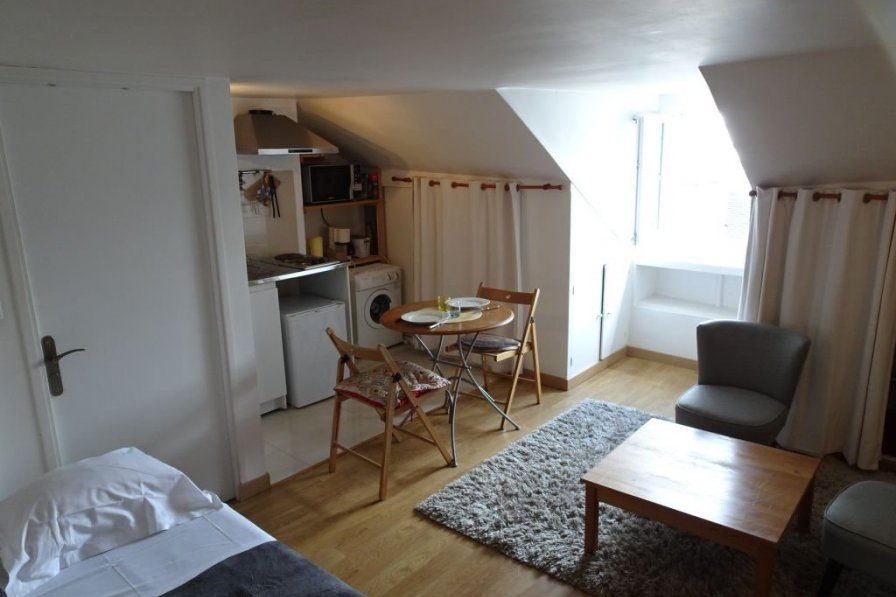 Studio apartment in France, Gros Caillou