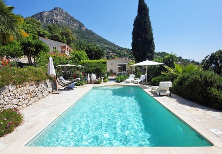 House in Saint-Jeannet, the South of France