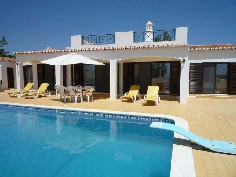 Villa in Portugal, Centianes Beach: Rear Aspect