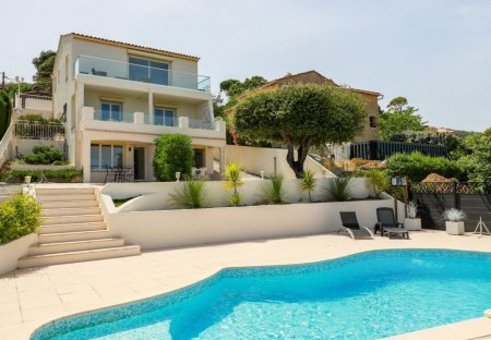 Villa in Roquebrune-sur-Argens, the South of France