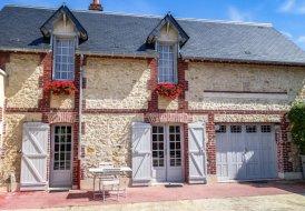 Villa in Saint-Arnoult, France